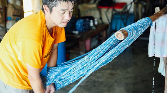 久保かすり織物|綛上げ(かせあげ)