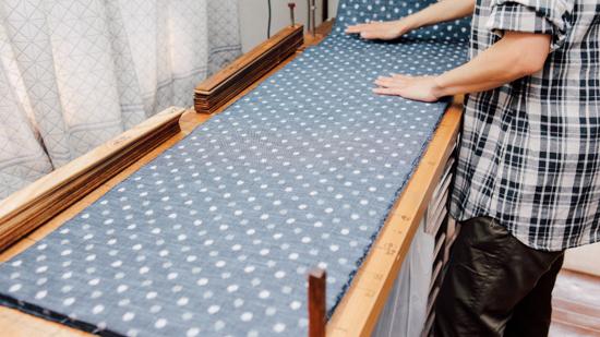 久保かすり織物|整反(台掛け)